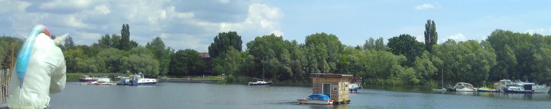Free Floating - Foto von Hausbooten